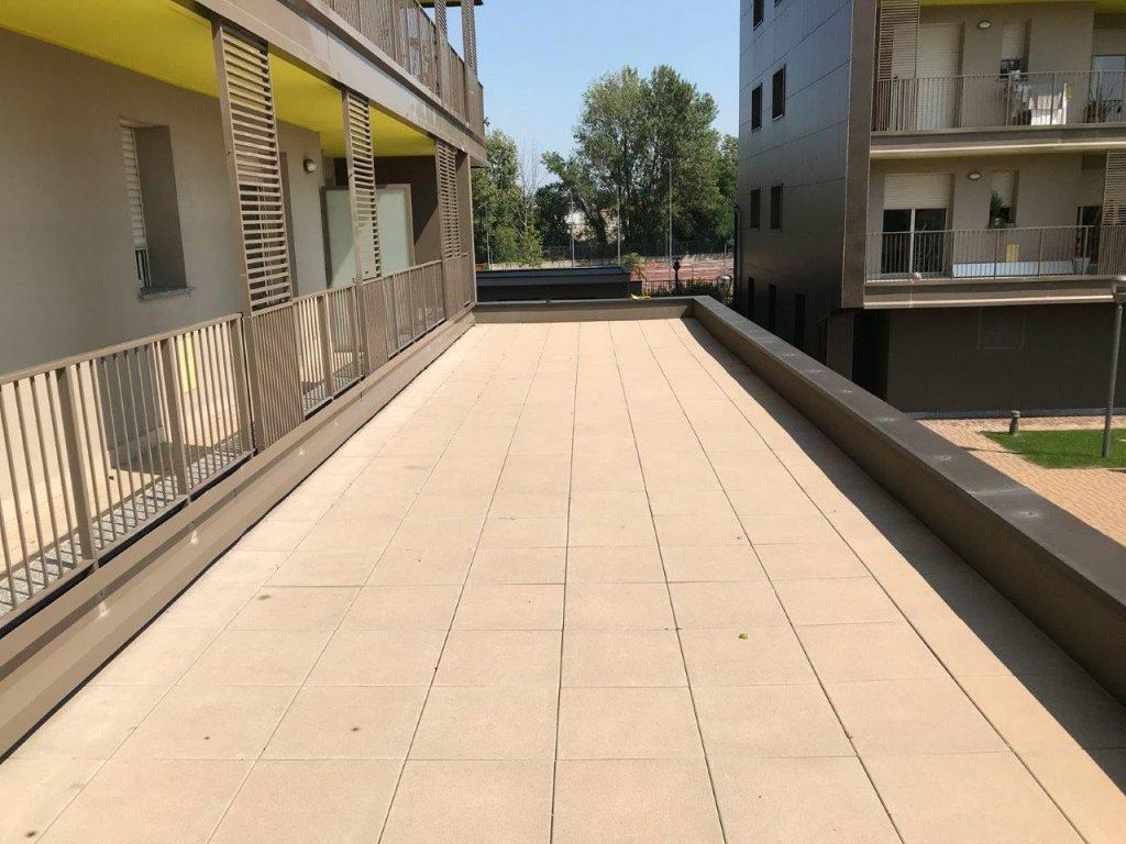 Rifacimento terrazzo con pavimentazione galleggiante - Milano ...